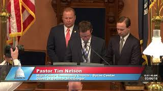 Sen. MacGregor welcomes Pastor Nelson to the Michigan Senate to deliver the invocation