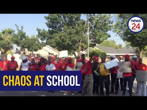 WATCH: EFF supporters protest Afrikaans at #HoërskoolOvervaal