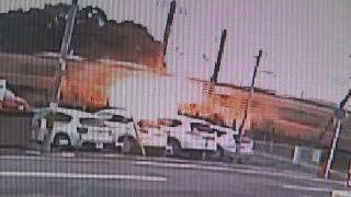 電車が乗用車と衝突、脱線 車炎上1人死亡、東海道線