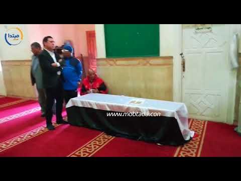 وصول جثمان سمير زاهر إلى مسجد عمر بن عبدالعزيز