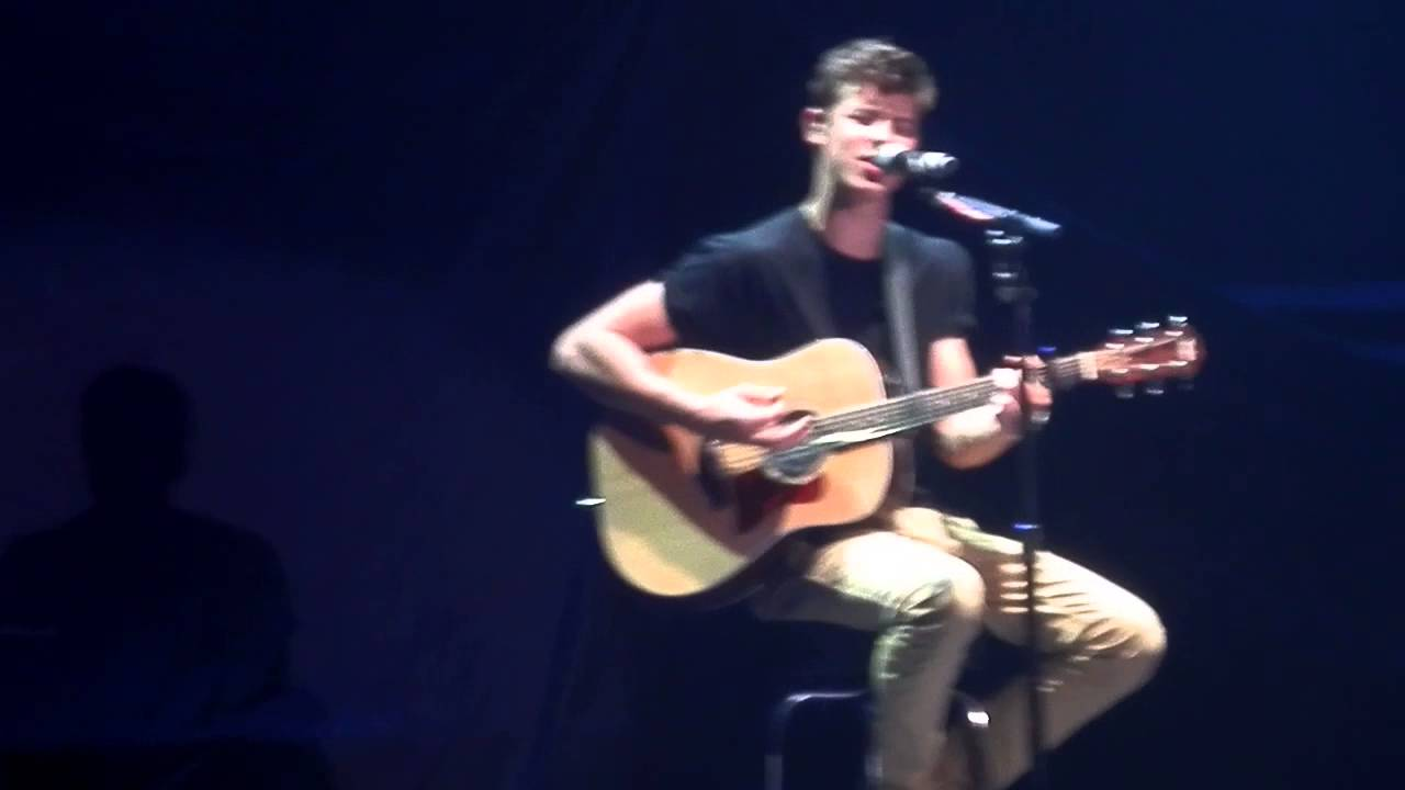 Shawn mendes secret tour the weight say something live in shawn mendes secret tour the weight say something live in san antonio hd m4hsunfo