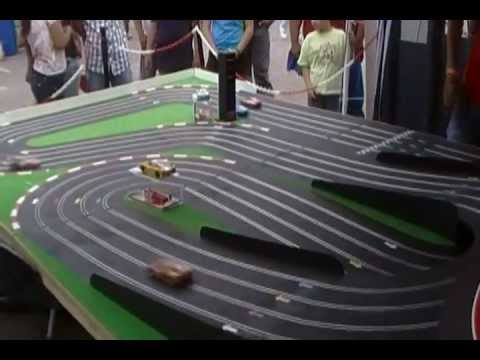 Autitos de alquiler – Pista de Scalextric en Salta – en Expo El Escape 2.MP4