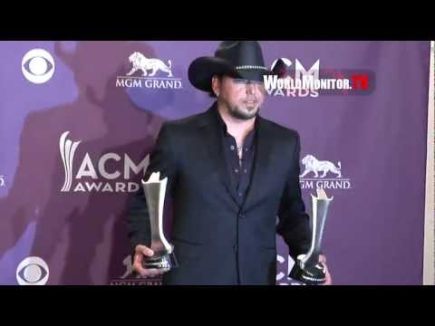 Jason Aldean shows off his Trophies backstage at The 48th Annual Country Music Awards