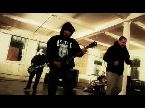 TERROR — Betrayer (OFFICIAL VIDEO)