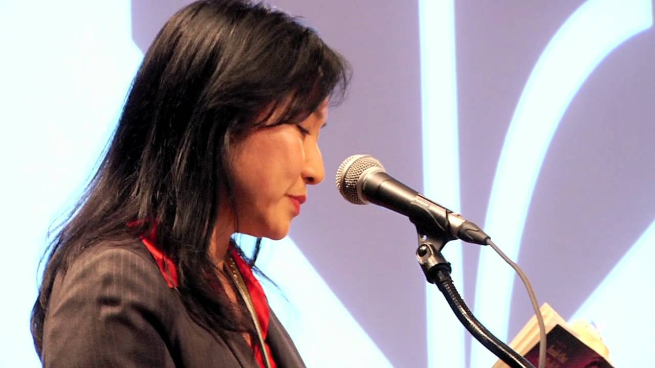 Thanhha Lai Reads From Inside Out Back Again At The 2011 National Book Award Finalists Reading Youtube