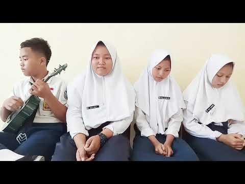 Suara Merdu Rara, Putri, Nila (Siswa Kelas VIII-I SMP Negeri 1 Cidahu)