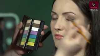 Простое решение для макияжа глаз со сложным строением век от Make Up For Ever Thumbnail