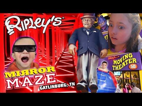 Ripley's Mirror Maze | Old Creepy Man Crush ❤ Dino Boogers | 5D Movies (Gatlinburg, TN Family Vlog)