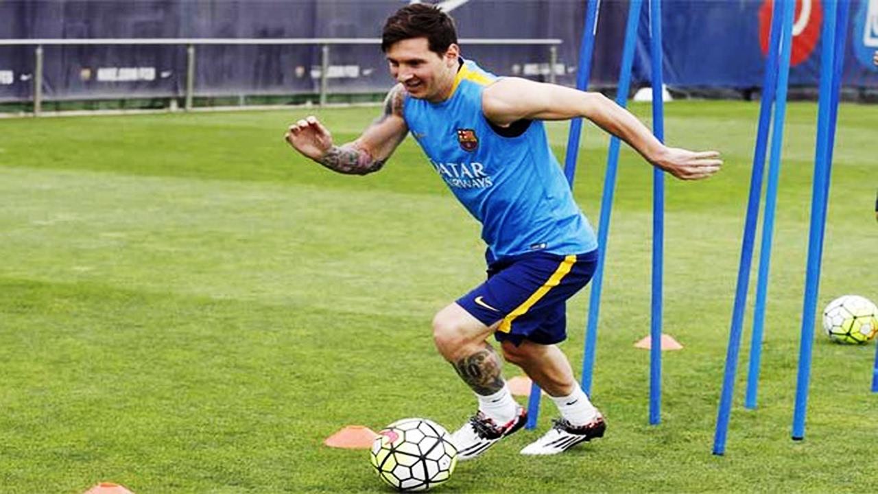 Entrena como MESSI / Ejercicios básicos para mejorar en el fútbol - YouTube