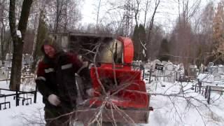Работа измельчителя веток // Russian wood chipper works