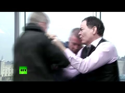 'Get outta here!' Max Keiser beats 'Jamie Dimon' bankster