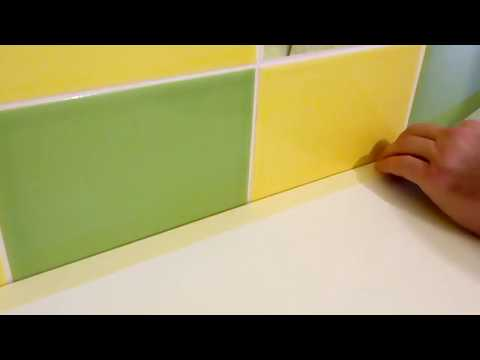 видео: Кухонный плинтус, плинтус на столешницу из силикона своими руками