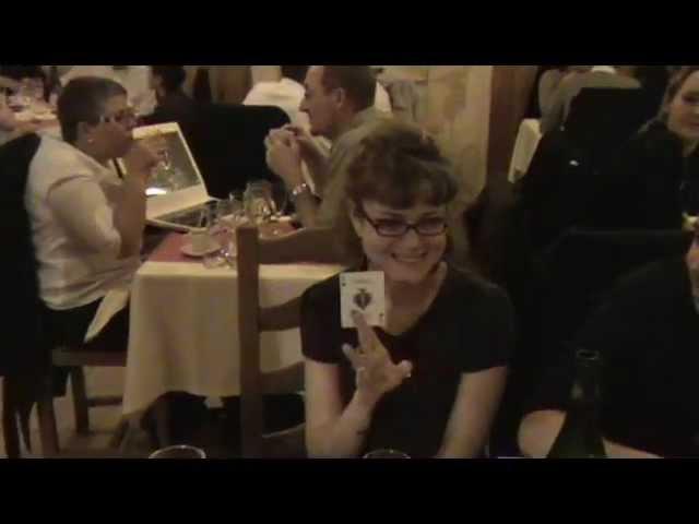 Magicien Closeup Paris Mentaliste - Table Magic Show