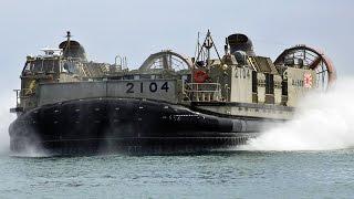 海上自衛隊 LCAC(エア・クッション揚陸艇) おおすみ型輸送艦から上陸訓練