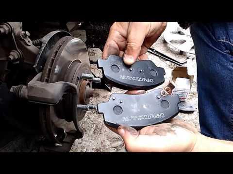 Замена передних тормозных колодок на  Hyundai Accent (Солярис)