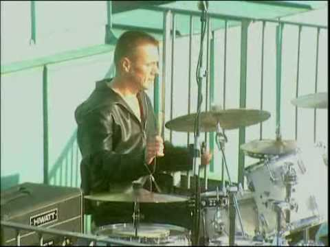U2 Beautiful Day  [Top Of The Pops / Clarence Hotel]