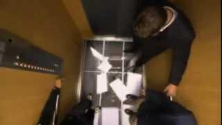 Прозрачный пол в лифте!!! Видео прикол.Офигенная тема