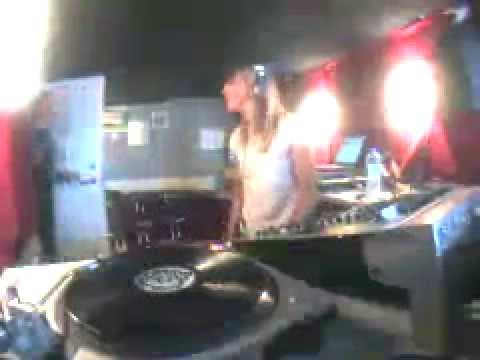 Andrea Parker  Groovetech Radio 20020322