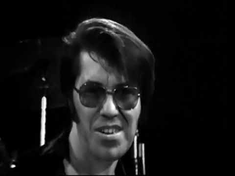 """Watch Link Wray Play a Downright Dirty Version of """"Rumble,"""" the Only Instrumental to Be Banned on Radio (1974)"""