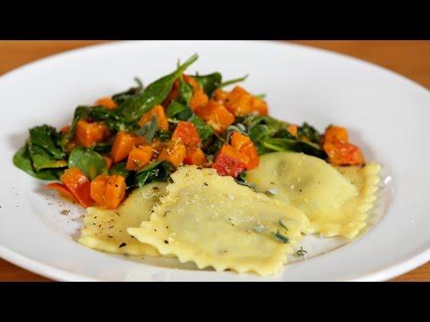 Vegane Ravioli mit Herbstgemüse