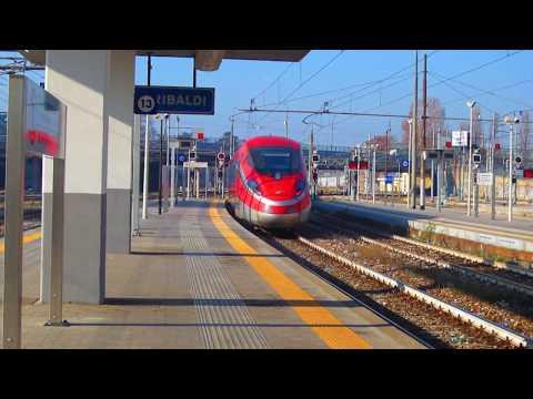Nuovo frecciarossa 1000 in partenza da Milano Porta Garibaldi