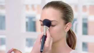 Как правильно наносить основу под макияж(На видео показано как правильно наносить основу под макияж. Интернет магазин Орифлейм - http://ru.oriflame.com/index.jhtml?..., 2015-08-25T11:49:04.000Z)
