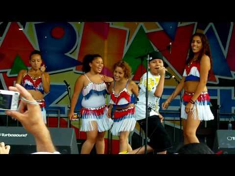 Alexito el Super Appy en Carnaval de Elizabeth New Jersey 2009 /ON: Andres DJ