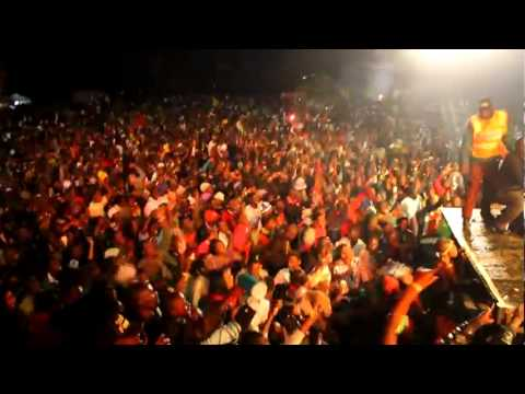 Mafaro.com - Elephant Man 'Dancehall star' rocks Zimbabwe - June 24 2011.flv