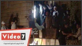 بالفيديو.. دفن المدون باسم صبرى بمقابر الأسرة فى أكتوبر