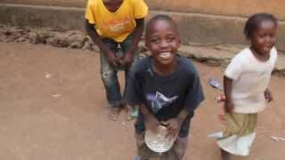 Kouroussa kids dance and drum!