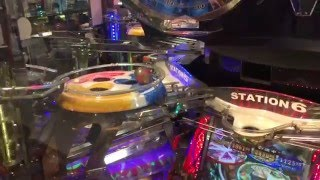 Japan arcade crazy coin machines. Big Win Loads of Coins!!
