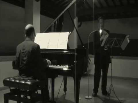 ASTOR PIAZZOLLA Cafe 1930 for soprano saxophone and piano ( HQ audio )