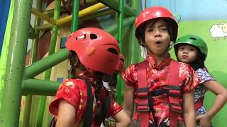 Aile & Cle's Journey - Playing Flying Fox 2