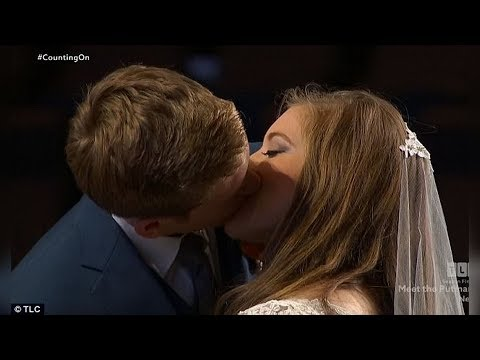 JOY ANNA DUGGAR : First Kiss on 'Counting On'  and Other Wedding Moments