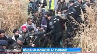 Protestatari luati la pumni de jandarmi! Fortele de ordine au curmat violent un protestul impotriva