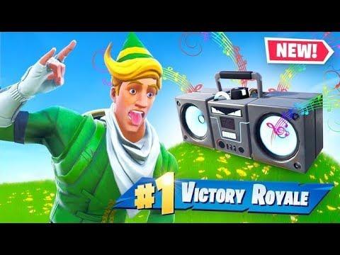 *NEW* BOOMBOX In Fortnite! thumbnail