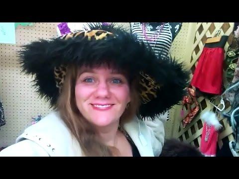 Старинные шляпки и Рождественские украшения в Antiques Store. LifeinUSA. жизнь в США.