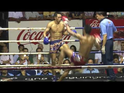 Muay Thai Fight - Chamuaktong vs Yodpanomrung, Rajadamnern Stadium Bangkok - 9th November 2015