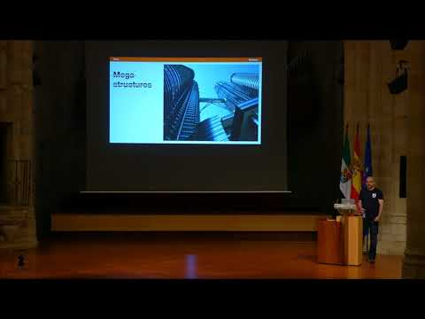 Diego Muñoz - High impact refactors while keeping the lights on - PyConES 2017