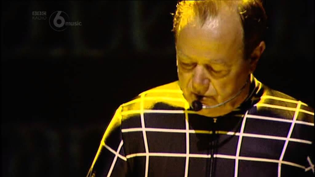 Kraftwerk - Live - LATITUDE FESTIVAL 20 July 2013 - SOUTHWOLD (UK) (Radio 6 - Red button)