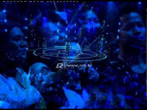 "Rossa Feat. Afgan ""Kamu Yang Kutunggu"" - Mega Konser Dunia"