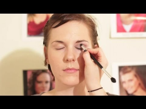 What Makeup Should I Wear With a Turquoise Dress? : Makeup ...