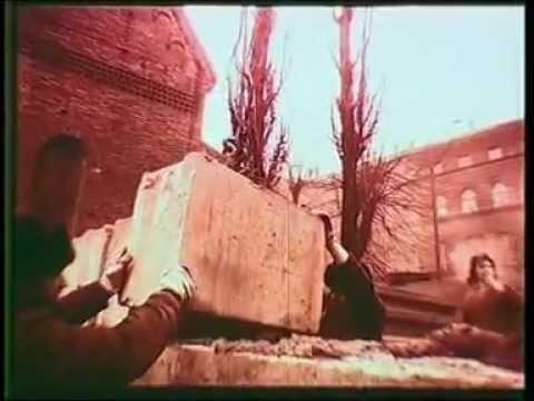 "Latvia, Riga, The Barricades 1991 ""The Year of Horror"" (Barikāžu laiks.flv)"