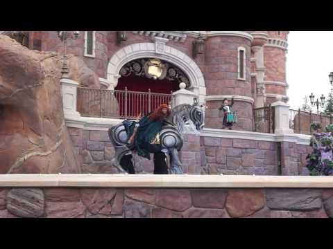 Amazing horse puppet at Shanghai Disneyland