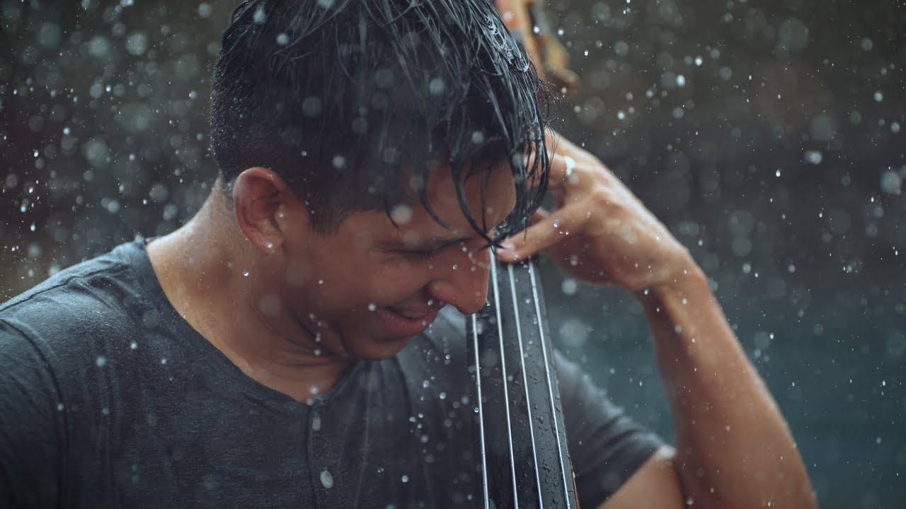 """Llegan las primeras lluvias en muchos días. A Badalona se esperan a partir de la tarde/noche. Al final de la tarde o cuando llegue la noche, nos visitará la lluvia. Y eso es lo que nos van a recordar """"Simply Three"""" con su tema """"Rain"""" (lluvia). Una maravillosa interpretación y un vídeo muy meteorológico...¡Ya veréis porqué!..."""
