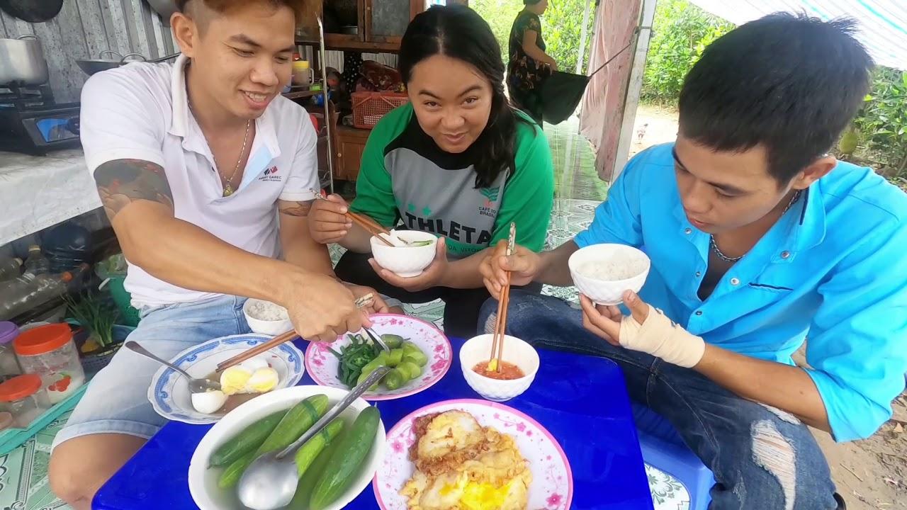 Thánh ăn Việt Hàn Và Buổi Sáng Của Rộng Cá Chép Đãi Anh Em Trong Team.