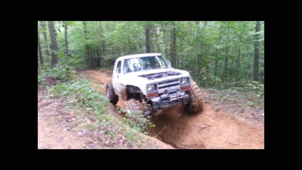 dodge ramcharger rock crawling  great white whale youtube