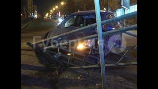 Скрывшийся с места ДТП в Хабаровске водитель вернулся посмотреть на машину оппонента. Mestoprotv