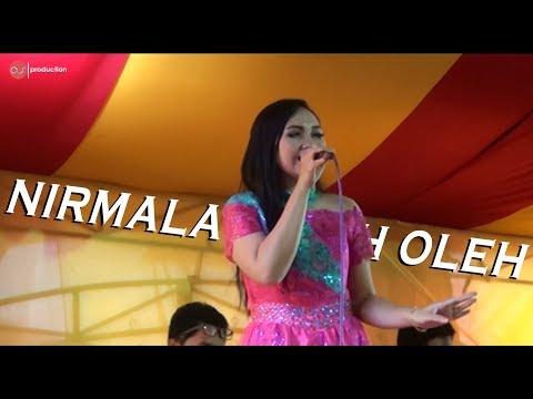 Oleh Oleh - lagu dangdut koplo bersama nirmala ( suaranya GILAK bung !!!! )