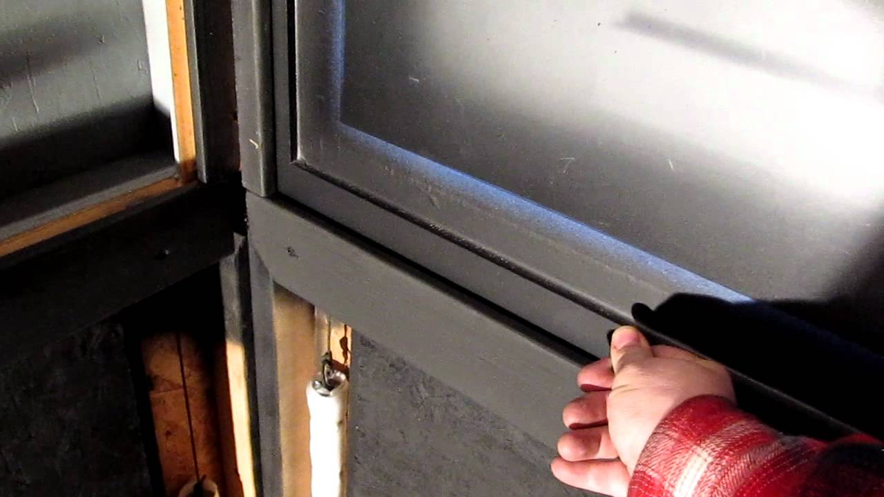 Deer Blind Window With Counter Weight Youtube
